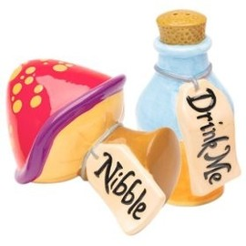 Treasure Craft - Alice In Wonderland Salt & Pepper Set