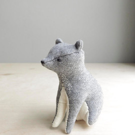 Regina - grey bear / soft sculpture animal