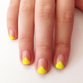 nail - V-Shape Nail Art