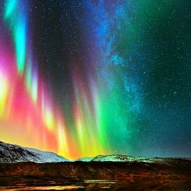 travel - Aurora Southern lights... You can see magellanic clouds