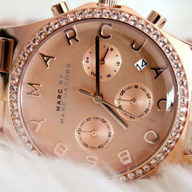 MARC JACOBS - pink watch.