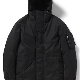 nonnative - TROOPER HOODED DOWN JACKET C/N TWILL URETHANE COATED