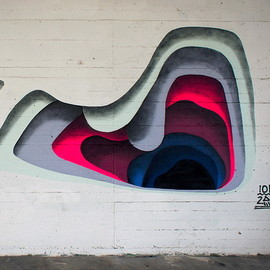 1010 - HOLE / Colorful Layering Creates Trick 3D Murals