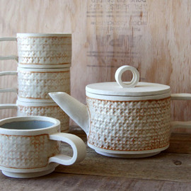 Natural White Sandinavian Rustic Modern Stoneware Tea Set w/ Dove Grey Interior