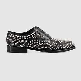 GUCCI - Leather lace-up shoe with studs