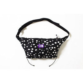 THE NORTH FACE PURPLE LABEL - DALMATIAN PRINT WRAP BAG S