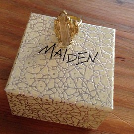 MAIDEN - リング