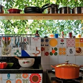 bohemianhomes:Bohemian Homes: Eclectic Kitchen