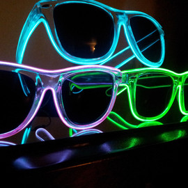MoxieGlares - Light up sunglasses
