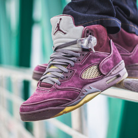 Nike - AIR JORDAN 5 CUSTOM BY MAGGI (VIOLET)