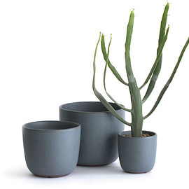 SUEKI CERAMICS.YARD - green pot