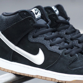 NIKE SB - Dunk High SB (S.O.M.P.) - Black/White/Silver/Gum