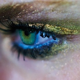 MAKE UP - green eyes