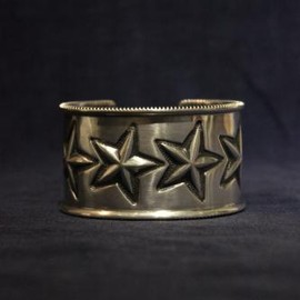 TAKAHIROMIYASHITA The SoloIst. - star bracelet with coin edge.