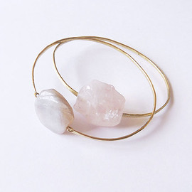 dinosaurtoes - no. 491 - rose quartz brass bangle
