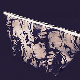 THE NOVEMBERS - Flowers pouch (MERZ-0093)