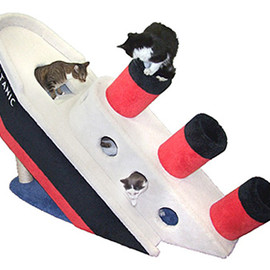 Hollywood Kitty Company - Sinking Titanic Cat Climber Condo