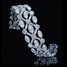 HARRY WINSTON - Important Diamond Bracelet