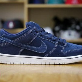 NIKE SB - NIKE SB DUNK LOW MIDNIGHT NAVY