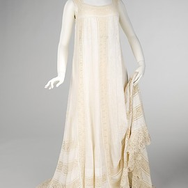 Nightgown 1905, French, Made of cotton