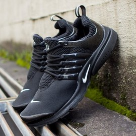 Nike - Air Presto - Black/Black/White