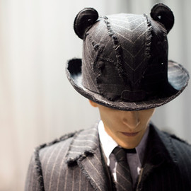 THOM BROWNE - Thom Browne x Stephen Jones