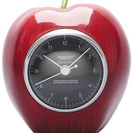 MEDICOM TOY - GILAPPLE CLOCK