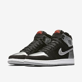 NIKE - ALEALI MAY × NIKE AIR JORDAN 1 RETRO HIGH BLACK/SHADOW GREY