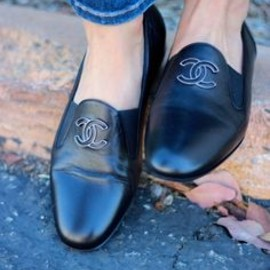 CHANEL - chanel tuxedo loafers