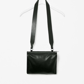 COS - Wide strap leather bag