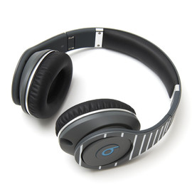 "Monster Cable, fragment design - Beats by Dr. Dre ""STUDIO"""