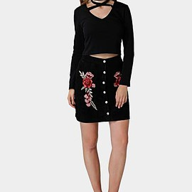 Yoins - Black Rose Embroidery Skirt with Simple Breasted Design
