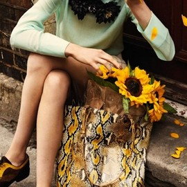 green and yellow outfit, fashion, snakeskin, oxfords, sunflowers