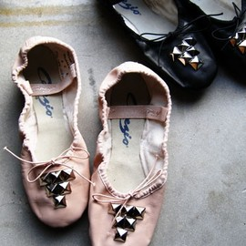 CAPEZIO - Studded Ballet Slippers