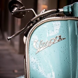 Vespa - Sexy Vespa with raindrops!