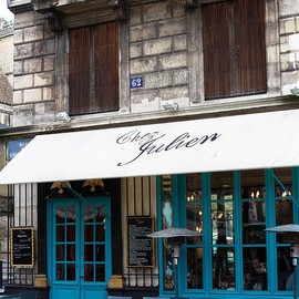Paris - Paris Cafe in the Marais- Chez Julien -