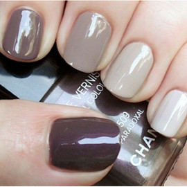 LE VERNIS  NAIL COLOUR  #617 HOLIDAY