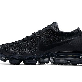 NIKE - AIR VAPORMAX Triple Black
