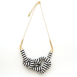 HOMAKO - Stripe Rope Knot Necklace