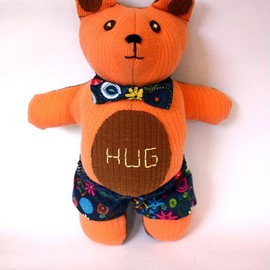 Luulla - Pumpkin orange/brown Hug Bear soft toy