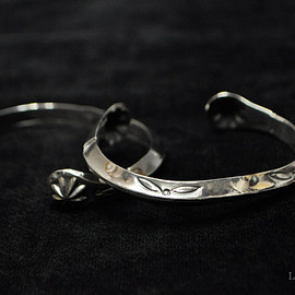 LARRY SMITH - Triangle Bangle(Side Shell)