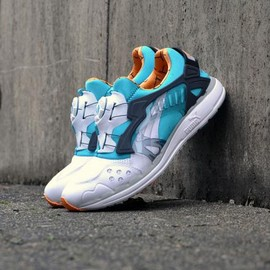 PUMA - PUMA DISC BLAZE LITE 1993 THELIST WHITE/PEACOCK BLUE/BLAZING ORANGE