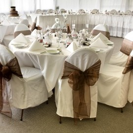 White & Brown Wedding Colors