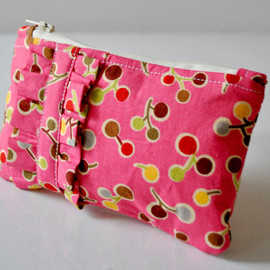 Luulla - Lollipop print pink ruffle purse.