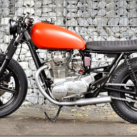 Left Hand Cycles - Yamaha XS650 'Red Devil'