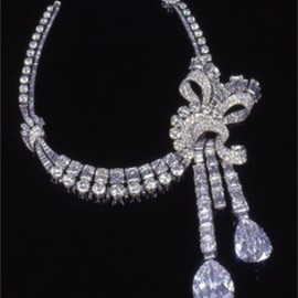 Van Cleef and Arpels - Diamond necklace 1949. (Courtesy of Sotheby's).
