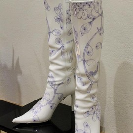 NARUMI - Boots made from a  bone china