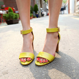 DHOLIC - LIME STRAP WOOD HEEL