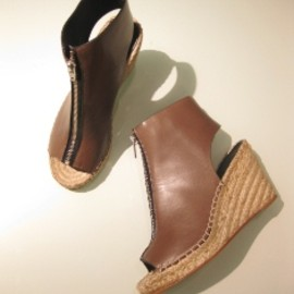 CELINE - LEATHER ESPADRILLE w/ZIP