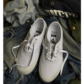 "VANS - OTH x Paul Labonté x Vans Vault Authentic LX ""True White"""